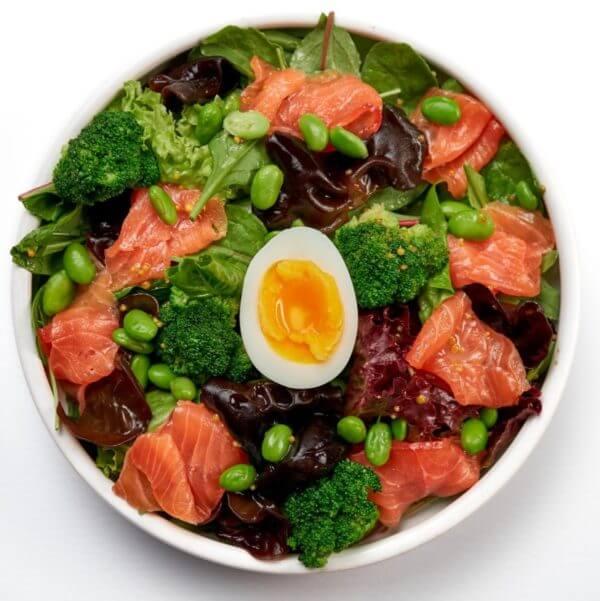 Zelenij salat z losoem